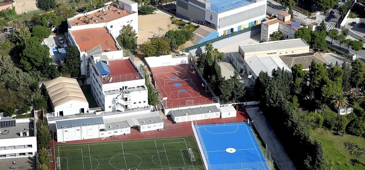 0a8c655fb American School of Barcelona enhances the security of facilities with IP  cameras of last generation